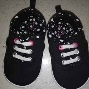 ♥️Free purchase with any bundle Baby girl shoes♥️